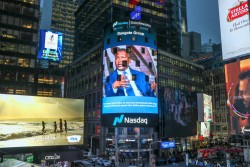 Aliko Dangote on the Nasdaq Tower in Times Square, New York.jpg